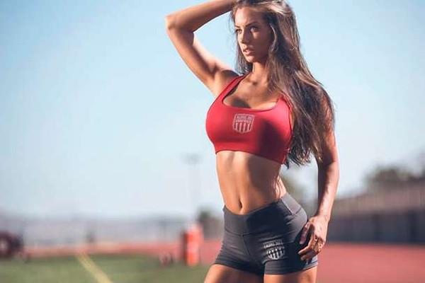 мышцы девушка